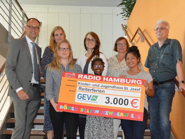 Scheckübergabe an das Kinder- und Jugendhaus St. Josef in Bad Oldesloe
