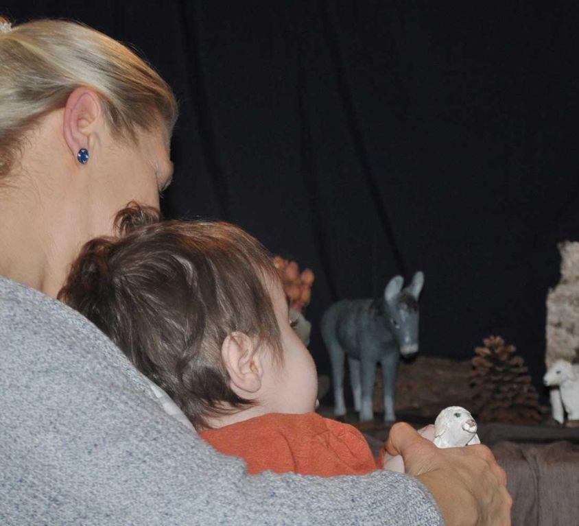 Introbild Hörer helfen Kindern Spendenmarathon Freundin für Hannes
