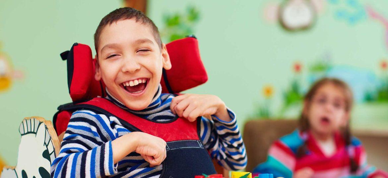 Introbild Hörer helfen Kindern Weihnachtssammlung Auto für Noah
