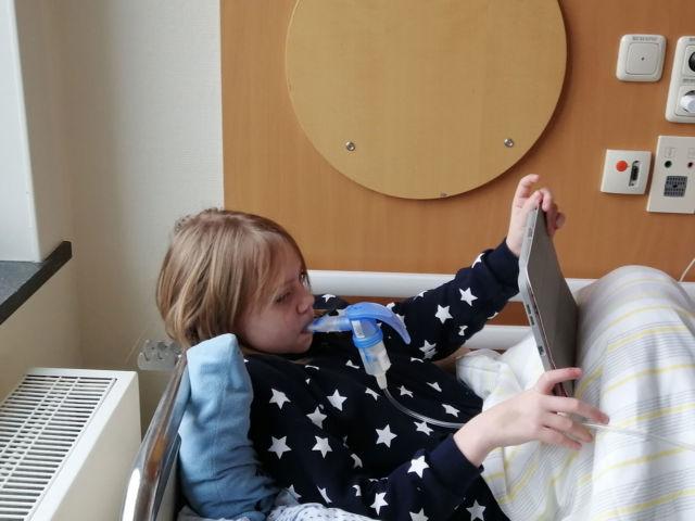 Introbild Notebook für Sarah finanziert durch Hörer helfen Kindern Weihnachtssammlung