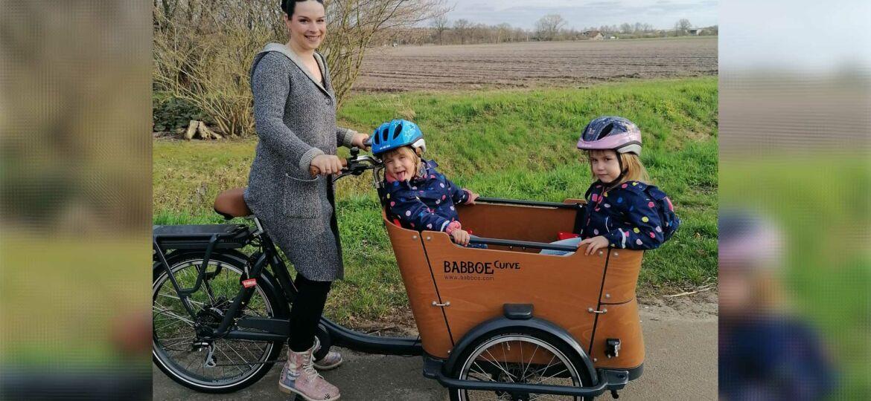 Introbild Lea-Sophie und Familie bekommen Lastenrad finanziert durch Hörer helfen Kindern